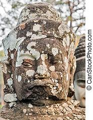 face Angkor Wat