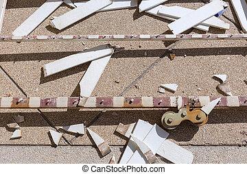 front gate sliding door broken of house