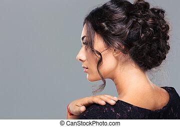 Pretty woman looking away - Beauty portrait of a pretty...