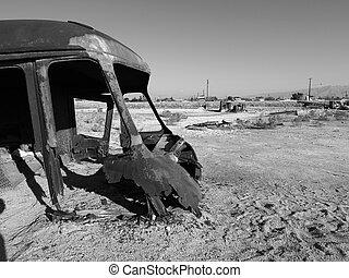 Desert Apocalypse Black and White - Lost civilization near...