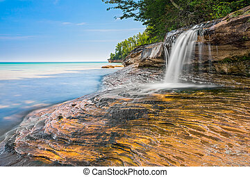 Beautiful Elliot Falls - Elliot Falls is a small but...