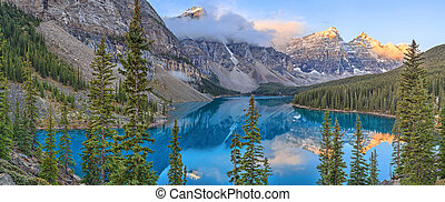 Moraine Lake - Sunrise at Moraine Lake, Banff National Park,...