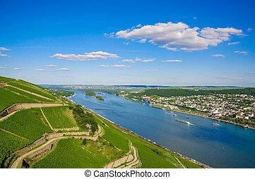 Rhine river near Bingen am Rhein, Rheinland-Pfalz, Germany -...