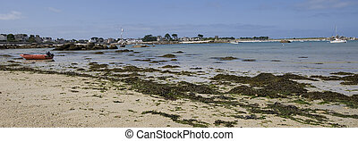 tideland -  tideland at the coast of Brittany in France