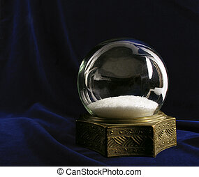 Vintage snow globe - Beautiful vintage snowglobe on deep...