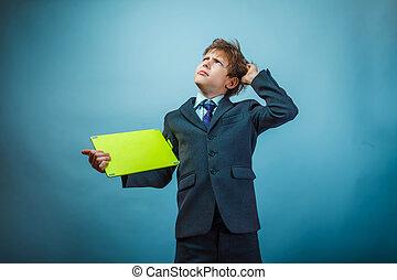 Behaarde mooi man stock foto beelden 332 behaarde mooi man royalty vrije beelden en foto 39 s van - Tapijt tienerjongen ...