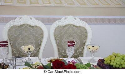 The elegant dinner table wedding