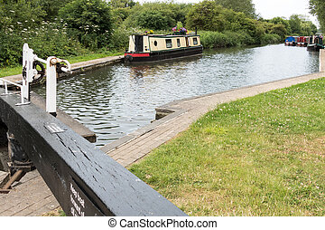 Narrow boat on the Kennet and Avon Canal in Aldermaston...