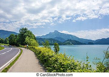 Bikeway along lake Attersee - Bikeway along the lake...