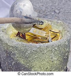 gold leaf casting