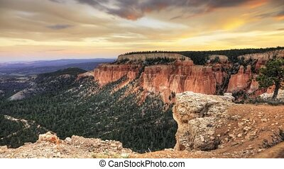 Timelapse of Bryce Canyon at sunset