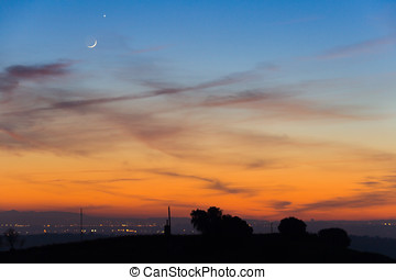 Moon and Venus conjunction in twilight