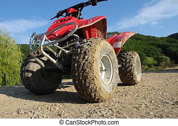 ATV, barro, polvo