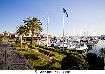 boardwalk and marina berths at Hope Island Marina
