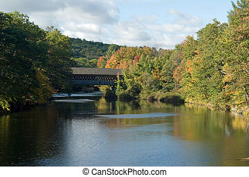 Henniker Bridge - Covered bridge over Contoocook River in...