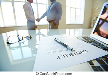 Conclusion - Partners concluding contract in office