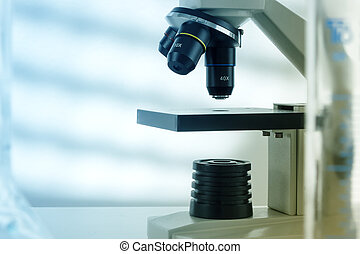 Laboratory microscope lensmodern microscopes in a lab -...