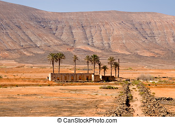 Abandoned house in the Fuerteventura desert