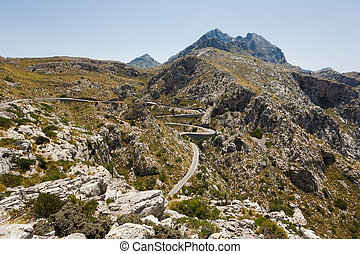 Serpentine road to Sa Calobra, Mallorca - Serpentine road to...