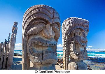 Hawaiian wood carving - Traditional Hawaiian wood carving of...