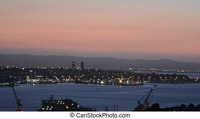 Auckland cityscape at sunset - :Auckland downtown skyline...