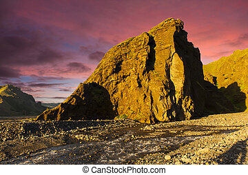 Thorsmork - Midnight setting sun lits beautifully volcanic...