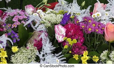 Flower arrangement of live flowers