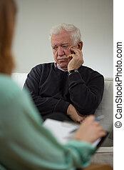 triste, hombre, Hablar, con, psiquiatra,