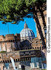 italy, rome, castel sant'angelo (castel sant 'angelo) with...