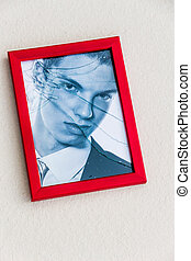 fractured - zerbrochner picture frame symbolic photo for...