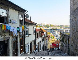 Dom Luis I bridge - view of Dom Luis I bridge in Porto,...
