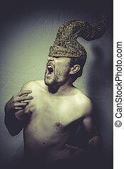 Thron, pelado, homem, com, capacete, guerreira, trombetas,...