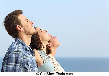 grupo, de, amigos, respiración, profundo, fresco,...