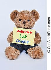 pelúcia, bem-vindo, costas, urso, sinal, segurando, crianças