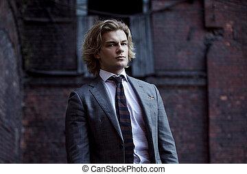 灰色, 事務, 牆, 年輕, 衣服, 背景, 商人, 肖像, 風格