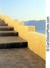 Beautiful steps and Aegean sea in Oia, Santorini, Greece -...