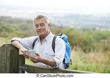 Prüfung, Wanderung, Telefon, Ort, Beweglich, Älter, Mann