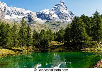 Monte Cervino - Vista del Monte Cervino dal Lago Blu