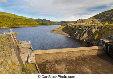Dam of the Llyn Brianne Reservoir - Head, dam and start of...