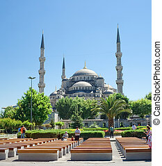 Sultan Ahmed Mosque - Famous Sultan Ahmed Mosque in...