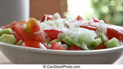 making salad 4k