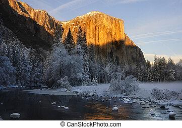 El Capitan Yosemite valley in California during winter