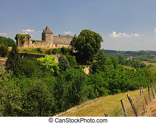 Salignac, Castle - At the border of Limousin and Perigord