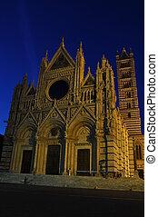 Duomo Santa Maria Assunta in Siena, Tuscany, Italy, night...