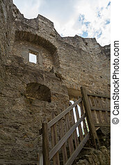 castle ruin Waxenberg - preserved remains - worth seeing...