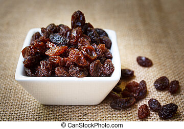 Raisins - dried raisins, organic dry raw brown raisins