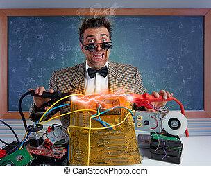 shortinho, relampago, circuito, técnico, eletrônica,  NERD