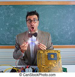 NERD, eletrônica, técnico, shortinho, circuito,...