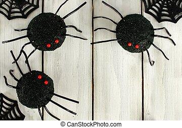 Halloween spider cupcakes - Halloween spider cupcake corner...