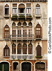 Merchant houses in Venice